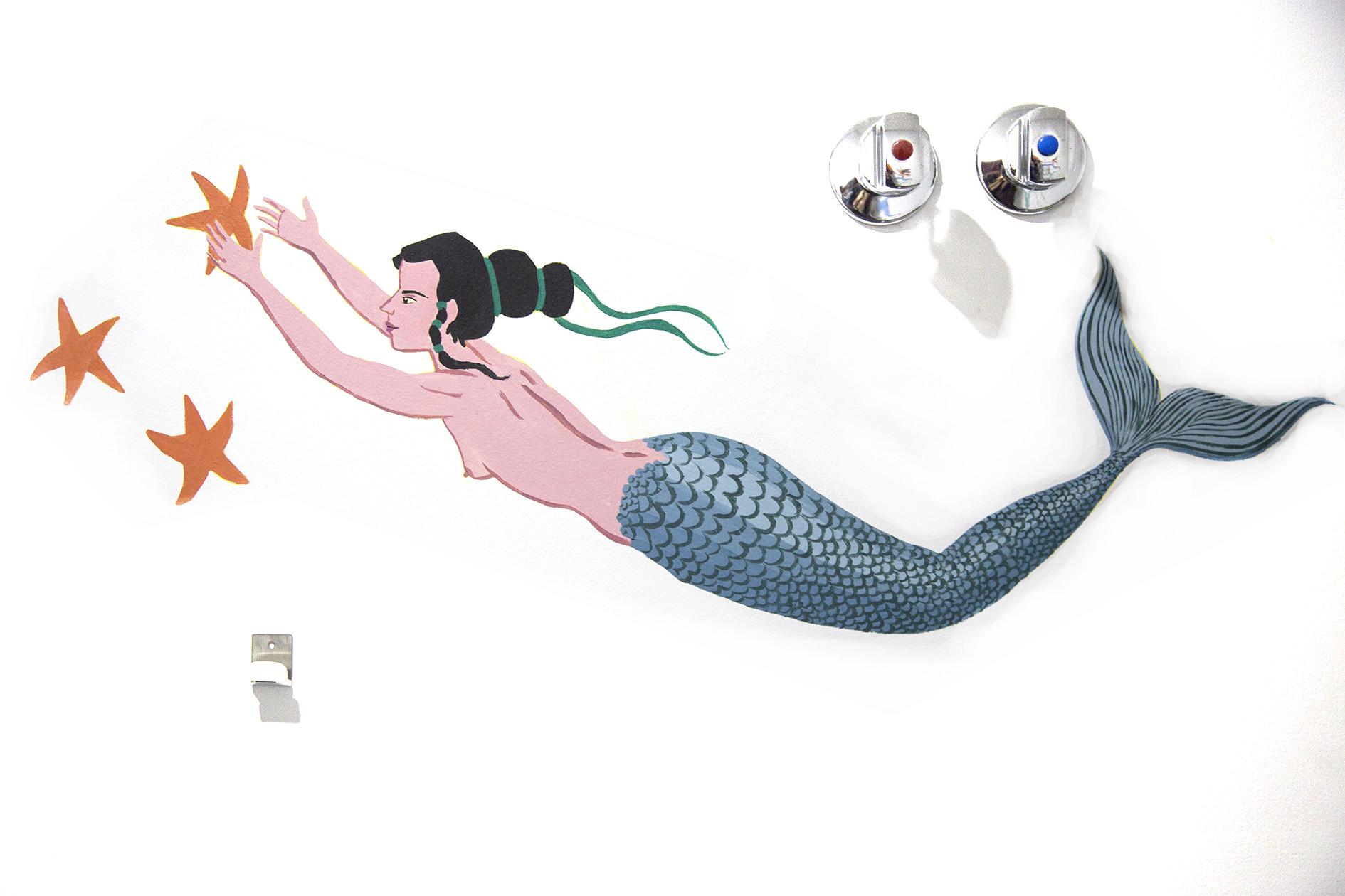 04_marmaid on wall